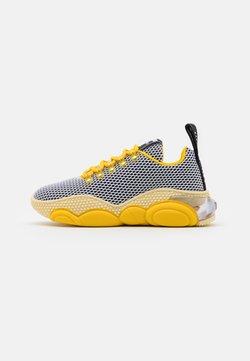 MOSCHINO - Sneakers - yellow