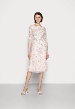 Adrianna Papell - BEADED DRESS - Robe de soirée - light pink