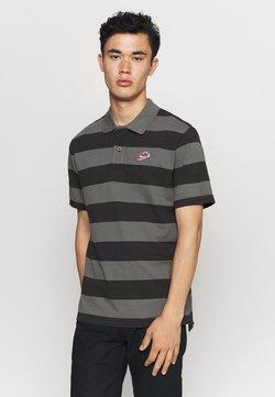 Nike Sportswear - STRIPE - Polo - black/iron grey