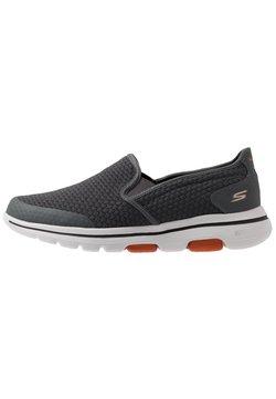 Skechers Performance - GO WALK 5 APPRIZE - Zapatillas de trail running - charcoal