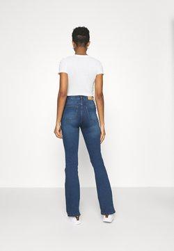Noisy May - NMSALLIE - Jeans a zampa - medium blue denim