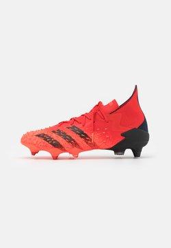 adidas Performance - PREDATOR FREAK 1 SG - Botas de fútbol - red