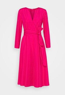 MAX&Co. - BANDOLO - Sukienka letnia - fuchsia