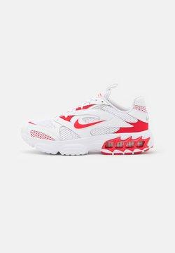 Nike Sportswear - ZOOM AIR FIRE - Sneaker low - white/univrse red/metallic silver