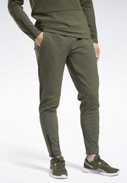Reebok - THERMOWARM DELTAPEAK JOGGERS - Pantalones deportivos - green