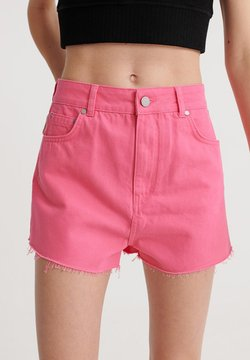 Superdry - SUPERDRY RUBY CUT OFF SHORTS - Jeansshort - fluro pink