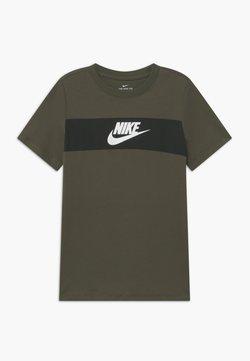 Nike Sportswear - TEE CHEST PANEL - T-shirt print - cargo khaki