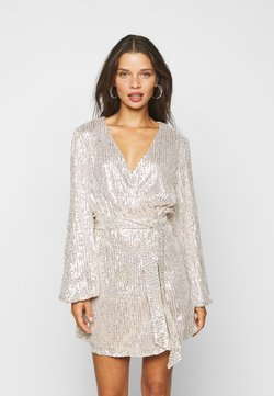 Glamorous Petite - NECK WRAP DRESS - Cocktailjurk - nude silver
