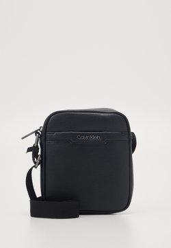 Calvin Klein - REPORTER - Torba na ramię - black