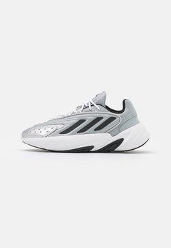 adidas Originals - OZELIA  - Trainers - silver