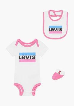 Levi's® - CLASSIC SPORTSWEARLOGO SET - Cadeau de naissance - sachet pink