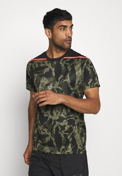 Puma - FIRST MILE CAMO TEE - Printtipaita - burnt olive
