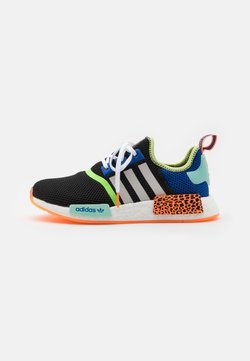 adidas Originals - NMD_R1 UNISEX - Sneaker low - core black/footwear white/screaming orange