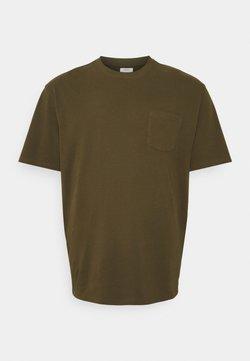 Redefined Rebel - CLARKE TEE - T-shirts - dark olive