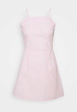 Missguided Petite - CAMI TIE BACK A LINE DRESS - Freizeitkleid - pink