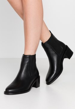 Royal RepubliQ - TOWN CHELSEA - Ankle boots - black