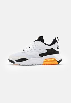 Jordan - MAX 200 BG UNISEX - Indoorskor - white/laser orange/black
