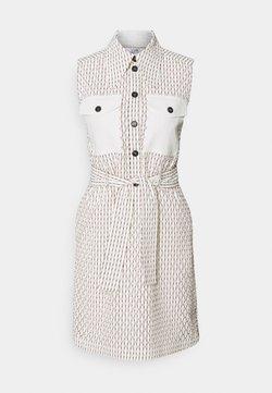 Victoria Victoria Beckham - SLEEVLESS MINI SHIRT DRESS - Blusenkleid - daisy white