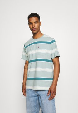 Levi's® - RELAXED FIT POCKET TEE - T-Shirt print - poolside/blue surf