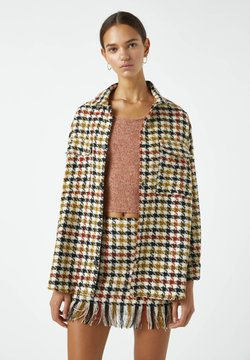 PULL&BEAR - MIT HAHNENTRITTMUSTER - Camicia - yellow