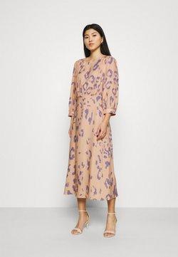 Closet - V-BACK WITH BOW MIDI DRESS - Vestido informal - peach