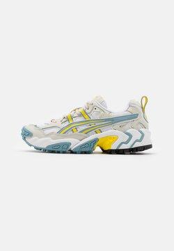 ASICS SportStyle - GEL-NANDI UNISEX - Sneaker low - white/light steel
