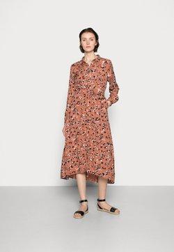 Kaffe - MIANA SHIRT DRESS - Blusenkleid - russet