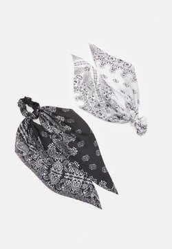 Pieces - PCJACKQULINA 2 PACK BOW SCRUNCHIE - Haar-Styling-Accessoires - bright white/black