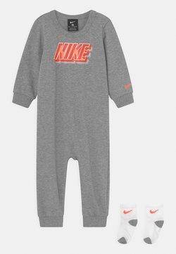 Nike Sportswear - BLOCK SET UNISEX - Jumpsuit - dark grey heather