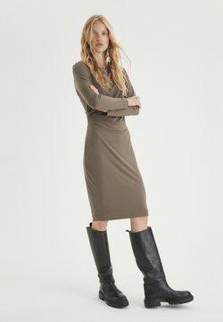 InWear - Vestido de tubo - sandy grey