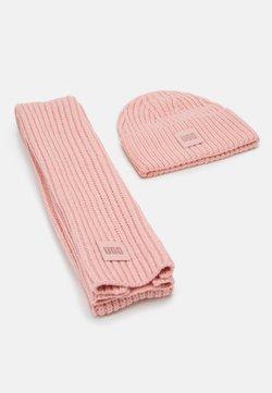 UGG - CHUNKY SET - Schal - light pink