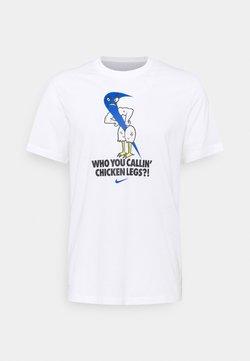 Nike Performance - TEE HUMOR - T-Shirt print - white