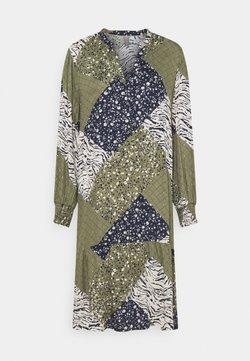 Culture - CUMILA DRESS - Korte jurk - burnt olive