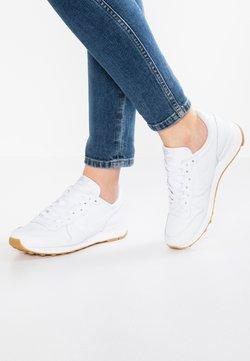 Nike Sportswear - INTERNATIONALIST - Trainers - white