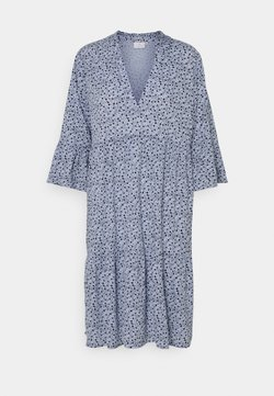 Kaffe - BERNA AMBER DRESS - Freizeitkleid - chambray blue