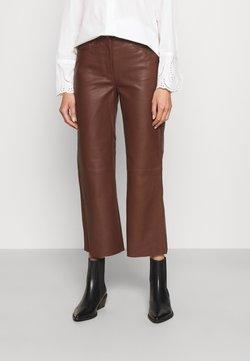 STUDIO ID - SHEENA WIDE LEG POCKETS  - Pantalon en cuir - chocolate plum