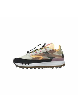 Reebok Classic - REEBOK LEGACY 83 SHOES - Sneakers - gold