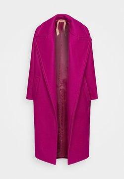N°21 - Classic coat - fuxia