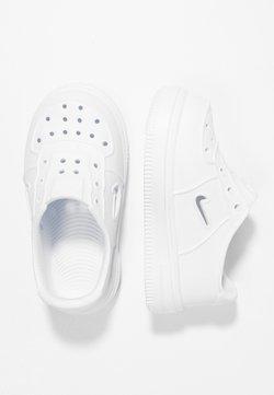 Nike Sportswear - FOAM FORCE 1 - Lauflernschuh - white
