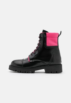 Tommy Jeans - FASHION POP COLOR BOOT - Plateaustiefelette - black/glamour pink