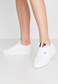 Tommy Hilfiger - LIGHTWEGHT CASUAL  - Sneakers laag - white