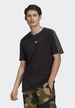 adidas Originals - SPORT 3 STRIPE COLLECTION ORIGINALS - T-Shirt print - black/chalk white