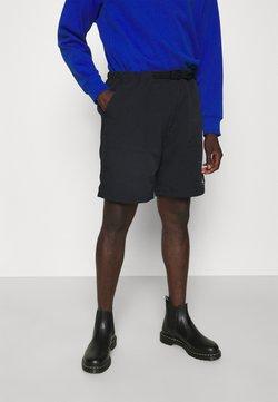 Replay - BUCKET BELT TONAL RUBBER PRINT - Shorts - black