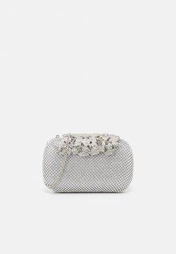 Forever New - KATIE EMBELLISHED CLASP CLUTCH - Pikkulaukku - silver glitter