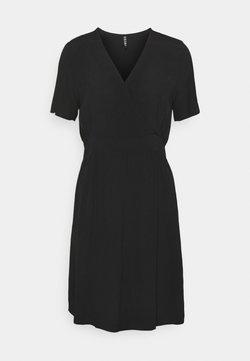 Pieces - PCGINNIE DRESS - Freizeitkleid - black