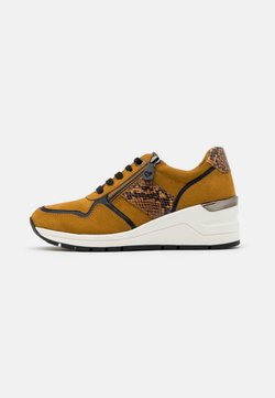 LOVE OUR PLANET by MARCO TOZZI - LACE UP - Sneakers laag - mustard