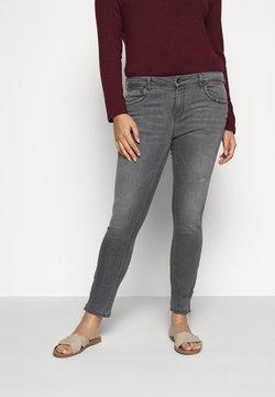 ONLY Carmakoma - CARKARLA  - Jeans Skinny Fit - grey denim
