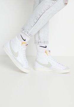 Nike Sportswear - BLAZER MID '77 - Sneakersy wysokie - white/light bone/sail