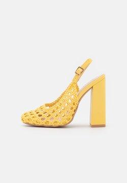 RAID - RHEETA - Classic heels - yellow