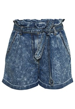 Vila - VICLASH - Denim shorts - medium blue denim/stone wash